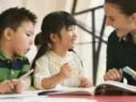 培训英语口语机构哪个好?线上外教怎么样?