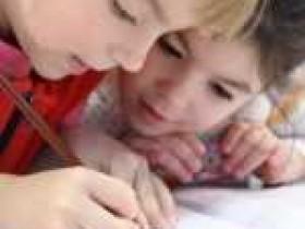 发现少儿英语对话的趣味性,轻松提高孩子口语