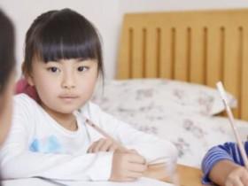 小孩几岁适合学英语?各位家长们一定要留心了。