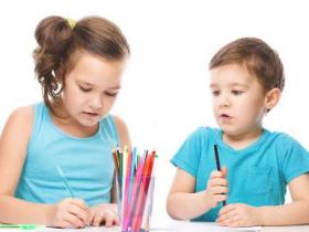 小孩英语入门怎么样,选择线上还是线下机构