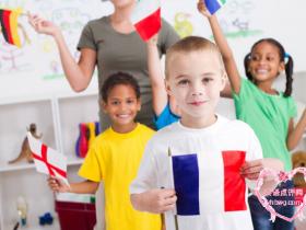 英语教育哪家好?轻松氛围,孩子可以愉悦学习