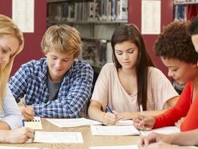 在线儿童英语培训哪个好,分享几个简单的方法