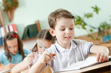 幼儿学英语启蒙怎么做,几岁开始比较适合呢!