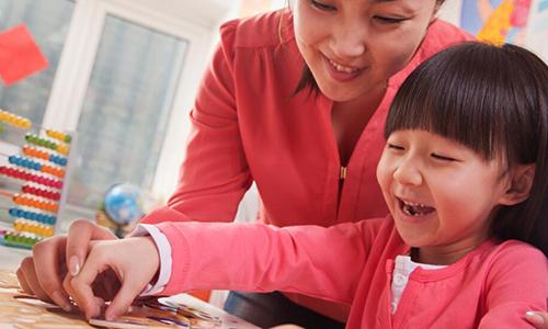 少儿英语课堂哪家好,教你如何选到适合的机构